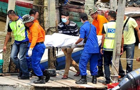Tàu chở người nhập cư chìm ở Malaysia