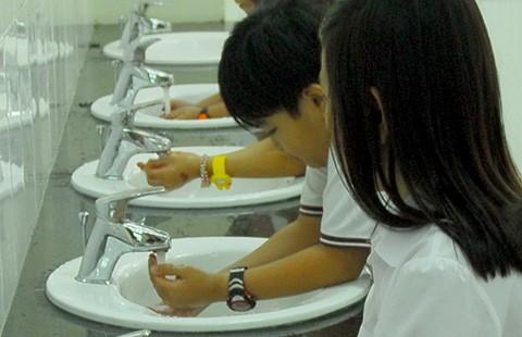 Dịch bệnh rình rập trẻ mùa tựu trường