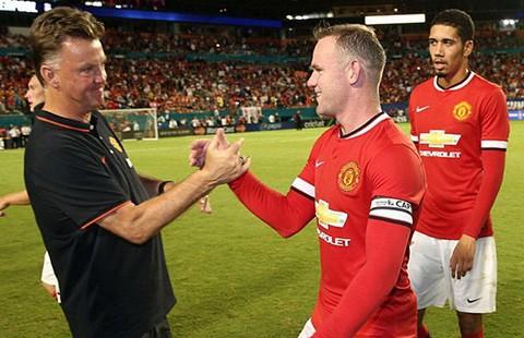 Rooney về với thực tại