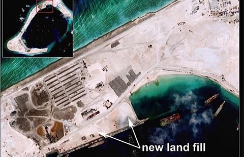 Trung Quốc tiếp tục xây sân bay trên đá Subi