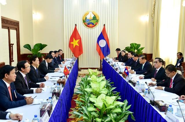 Dành ưu tiên cao nhất để phát triển quan hệ Việt-Lào
