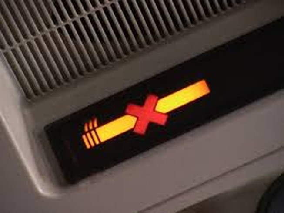 Hút thuốc trên máy bay, bị phạt 4 triệu đồng