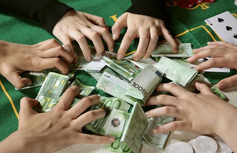 Mỗi trận hơn 1 tỉ euro cá cược bất hợp pháp