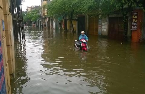 Hà Nội: Chi hàng ngàn tỉ, ngập vẫn hoàn ngập