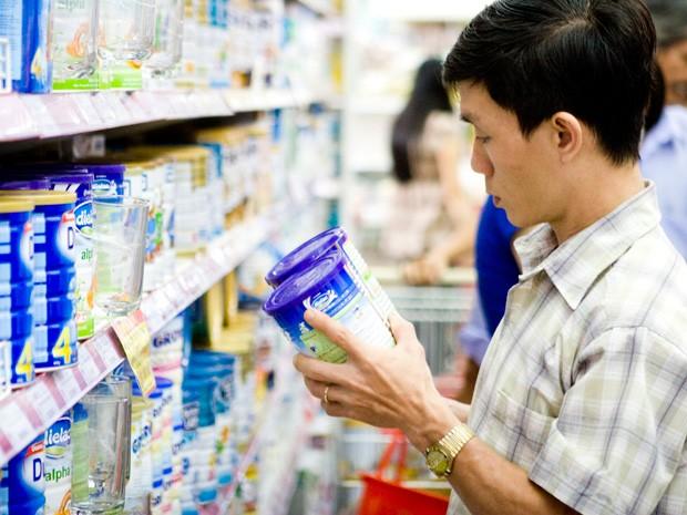 Bộ Tài chính lên tiếng vụ giá sữa không chịu giảm