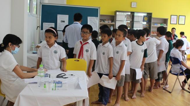 Tăng cường khám sức khỏe học sinh đầu năm học