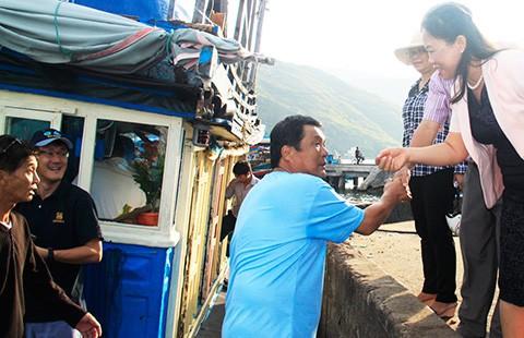 Chuyên gia Nhật ra khơi chuyển giao công nghệ cho ngư dân Việt