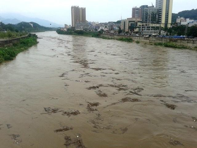 Trung Quốc xả lũ đột ngột gây lũ trên sông Hồng