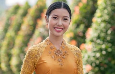 Á khôi áo dài Thúy Vân tham gia Hoa hậu Quốc tế 2015