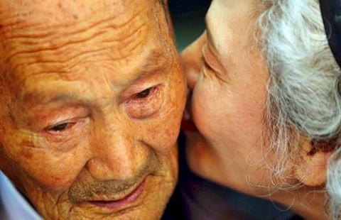 Hai miền Triều Tiên đoàn tụ trong nước mắt