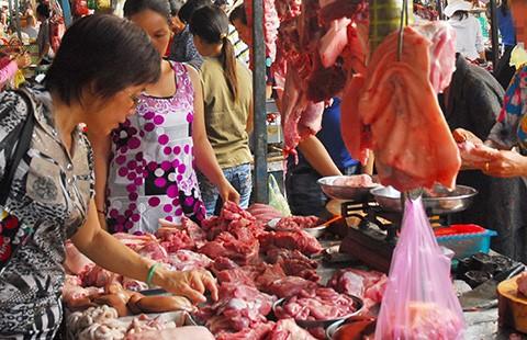 Thịt, rau chứa đầy hóa chất, kháng sinh