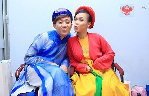 Đi đâu cũng thấy Trấn Thành, Việt Hương