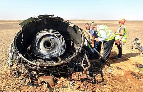 Máy bay Nga vỡ nát trước khi rơi xuống đất