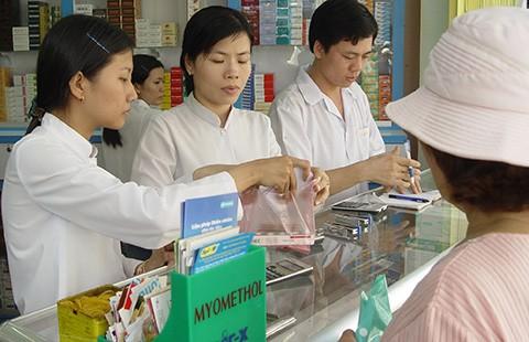 Tự mua thuốc điều trị, nguy cơ cao