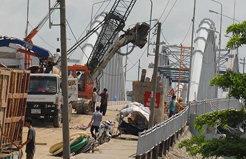 Cứu cầu cũ ở Sài Gòn