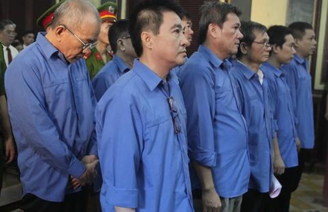 Triệu tập nguyên tổng giám đốc Agribank Việt Nam đến tòa