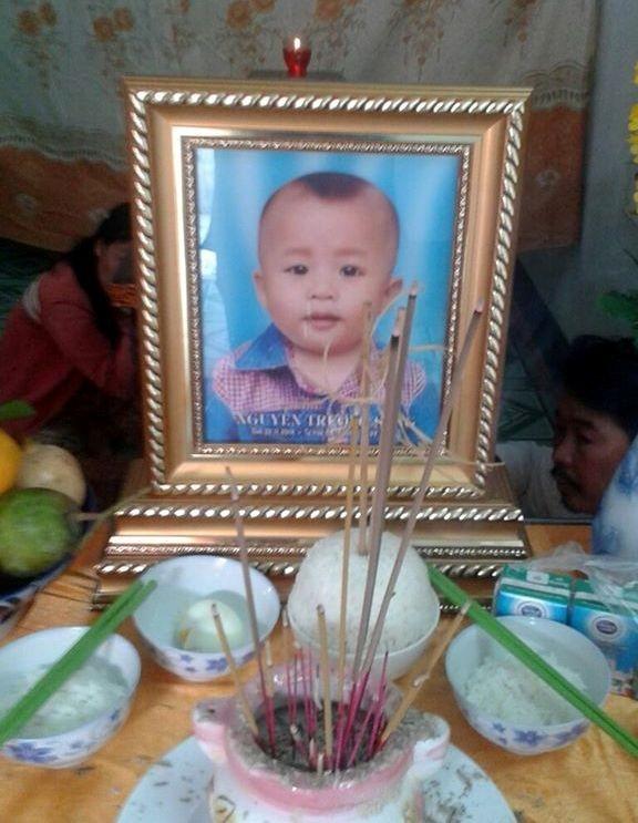 Bé trai chín tháng tử vong sau tiểu phẫu