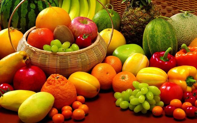 Giá nhiều loại trái cây giảm mạnh