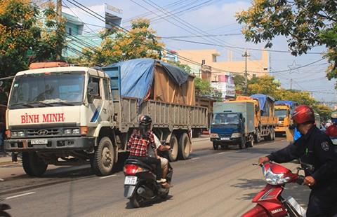 TP.HCM cấm xe tải hơn 5 tấn trên quốc lộ 1 giờ cao điểm