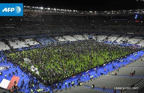 Giao hữu Pháp - Đức: Đá trong làn bom đạn