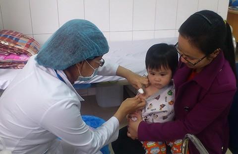 'Cháy' vaccine dịch vụ