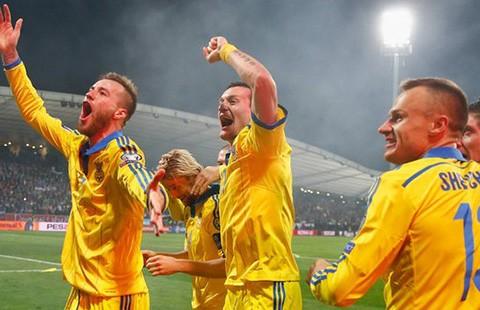 Đoạt vé vớt dự Euro 2016: Ukraine bước qua lời nguyền