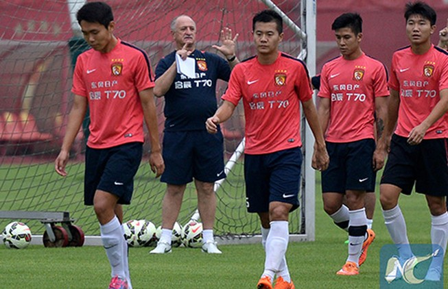 AFC Champions League: 'Big Phil' tiếp nối Lippi?