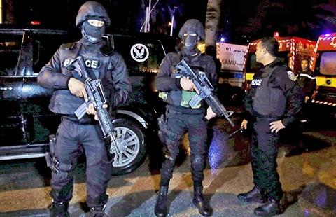 Khủng bố ở Bắc Phi: Đánh bom khủng bố ở Tunisia và Ai Cập