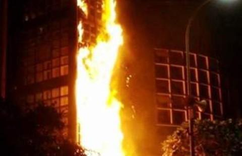 Cháy nhà cao tầng 'đốt nóng' nghị trường Hà Nội