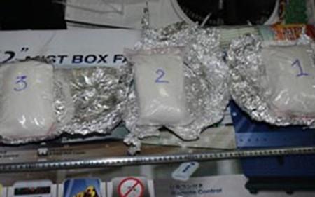 Bắt giữ 40 vụ vận chuyển ma túy qua đường hàng không