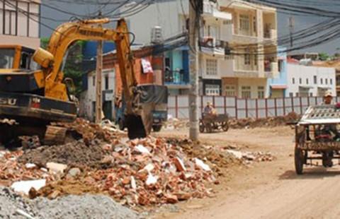 Cưỡng chế 17 căn nhà để mở rộng đường vào sân bay Tân Sơn Nhất