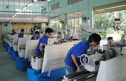 Xã hội hóa để nâng cao chất lượng trường nghề