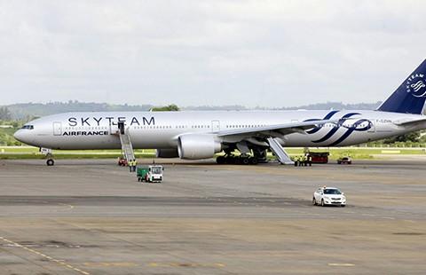 Máy bay Air France hạ cánh khẩn cấp vì nghi có bom