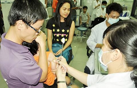 Trục lợi vaccine dịch vụ