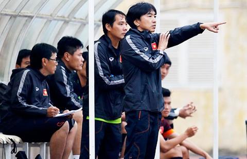 Đội U-23 Việt Nam: Một mình ông Miura chống lại tất cả