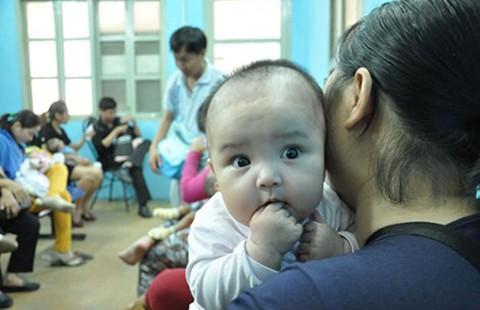 Tiêm vaccine dịch vụ 'sướng' hơn?