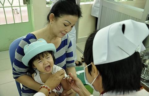 Phải đăng ký vaccine dịch vụ qua tổng đài 1080