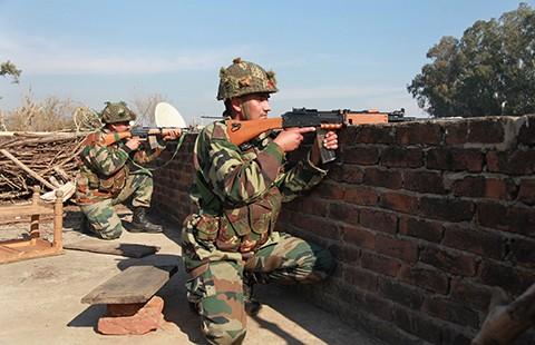 Kết thúc vụ tấn công căn cứ không quân ở Ấn Độ