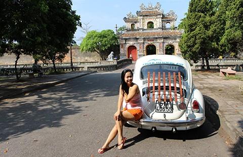 Dân chơi xế độc Sài Gòn - Bài 3: Người đẹp mê xe 'bọ'
