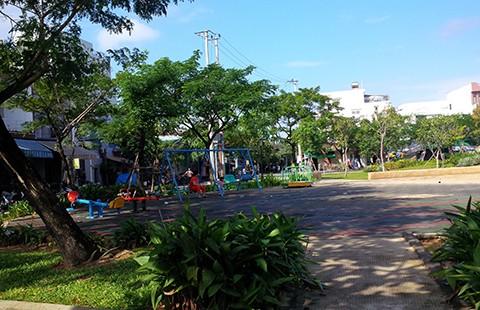 Xẻ công viên làm bãi xe, dân lo...