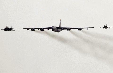 Sau B-52, tàu sân bay sẽ đến Hàn Quốc