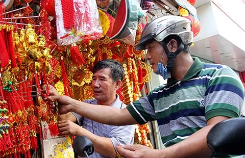 Bao lì xì, thần Tài… Trung Quốc đổ bộ Sài Gòn