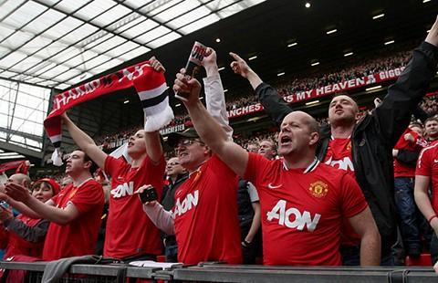 Liverpool - MU: Áp lực đè nặng Van Gaal