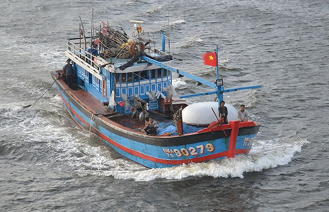 Sống chết bám biển Hoàng Sa