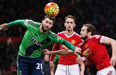 MU - Southampton (0-1): Giọt nước Van Gaal đã tràn ly