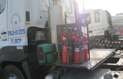 Bình chữa cháy trên ô tô: Nên khuyến khích, thay vì bắt buộc