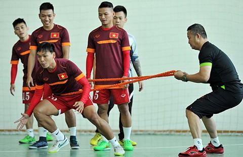Futsal VN dự giải châu Á: Khổ luyện nơi không có tết