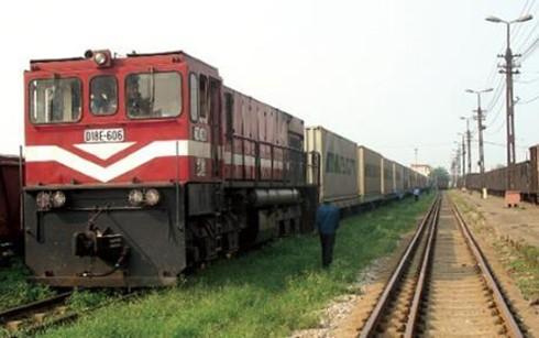 Xem xét thủ tục đầu tư 160 toa xe lửa đã qua sử dụng