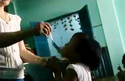 Tạm đình chỉ giáo viên mầm non đánh trẻ