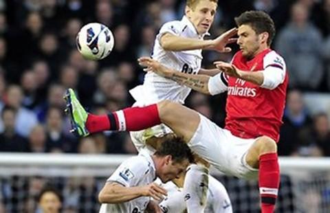 Tottenham – Arsenal: Dìm nhau cho Leicester tăng tốc
